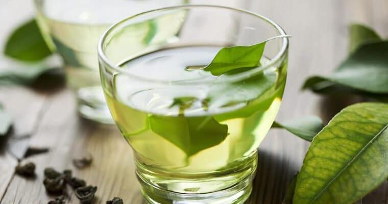Đau dạ dày uống nước chè xanh được không?