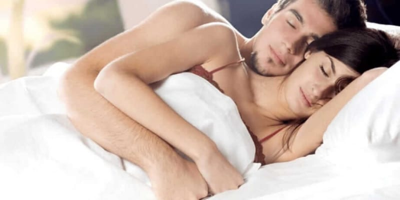 Các tư thế quan hệ cho người đau lưng