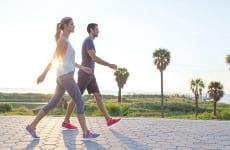 Gai cột sống có nên đi bộ, chạy bộ