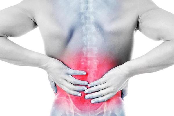Hít thở sâu bị đau lưng có nguy hiểm không?