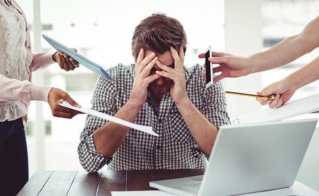 Áp lực công việc gây rối loạn cương dương ở người trẻ tuổi