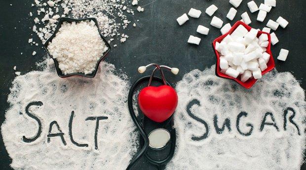 Người bệnh thận yếu nên kiêng thực phẩm chứa nhiều muối và đường