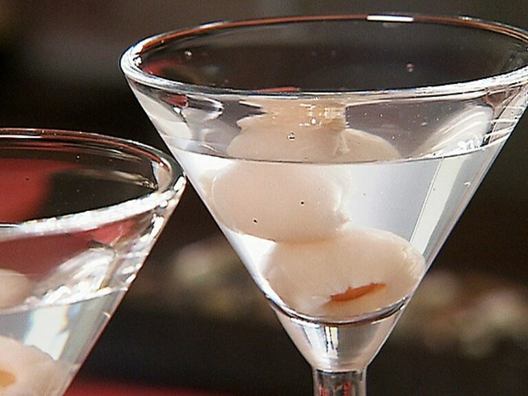 Vải ngâm rượu chữa yếu sinh lý hiệu quả