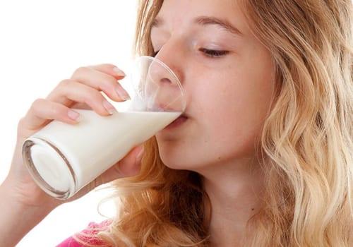 Lợi ích của sữa bột dành cho người đau dạ dày