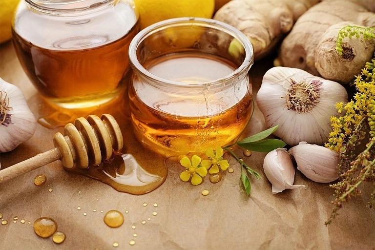 Hướng dẫn các bài thuốc chữa ho có đờm bằng mật ong