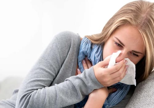 Tìm hiểu về viêm họng xuất tiết là bệnh gì?