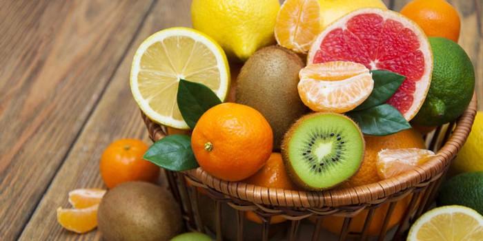 Người bệnh xuất huyết dạ dày không nên ăn nhiều hoa quả chua chứa nhiều axit